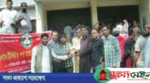 জগন্নাথপুরে ৪৫ টাকায় পেঁয়াজ কিনতে হাজারো জনতার লাইন