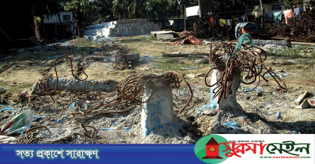 জগন্নাথপুরে সরকারি মডেল মসজিদ নির্মাণ কাজের শুরুতেই অনিয়ম
